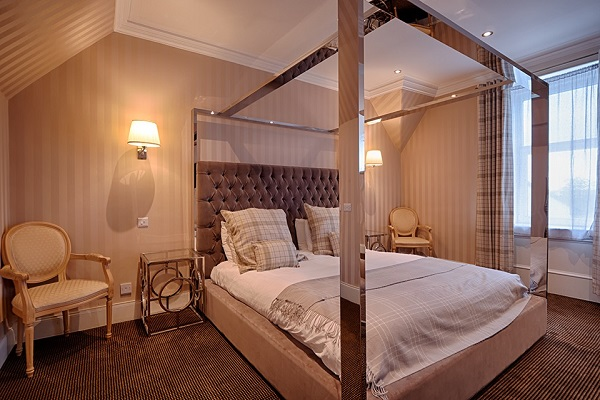 Places to stay in Kilmarnock